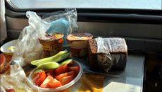 Топ-6 безопасных блюд в поезд