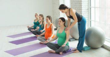 Йога для мам, будущих и настоящих