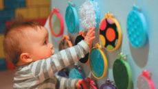 Чем занять ребенка? (развивающие, обучающие игры до года)