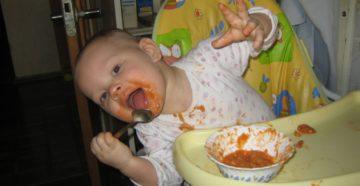 """За маму, за папу"": кормим ребенка правильно"